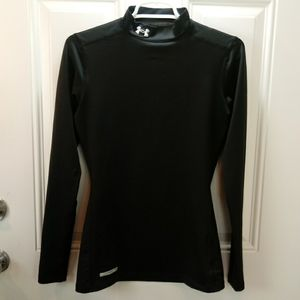 Under Armour black fitted long sleeve shirt